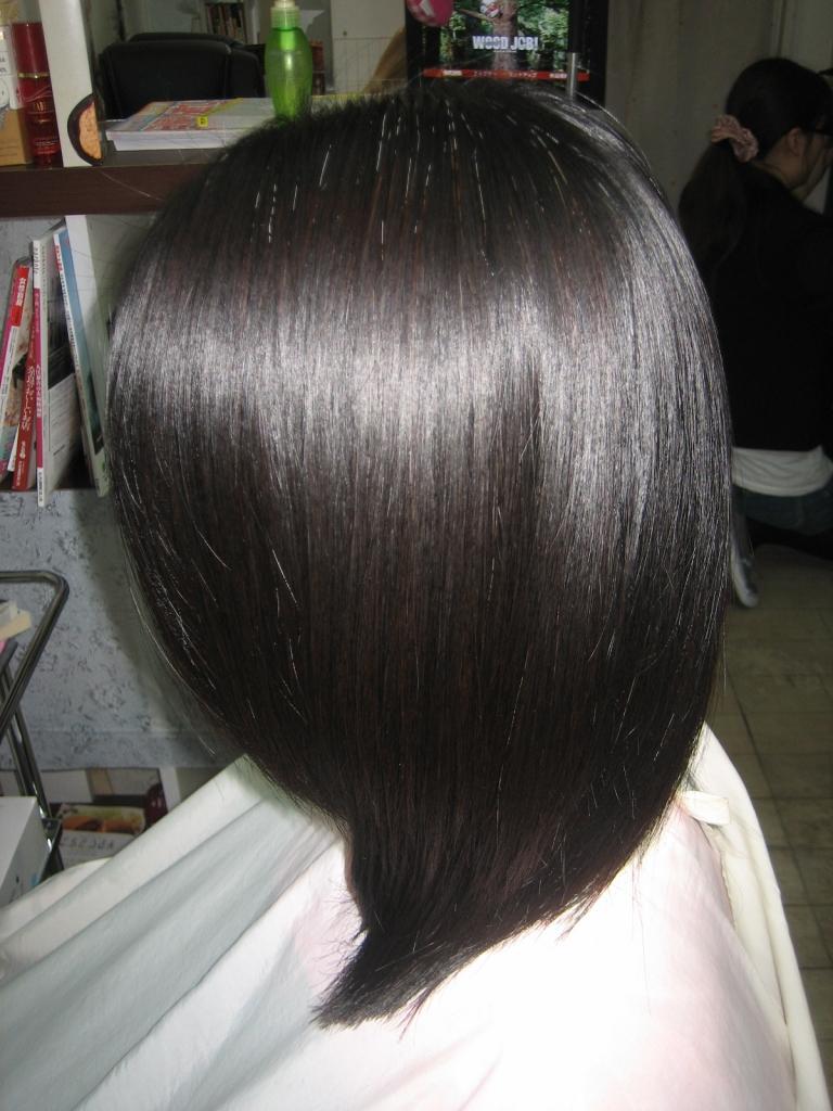 白髪染めと縮毛矯正のどちらをやめればいい?