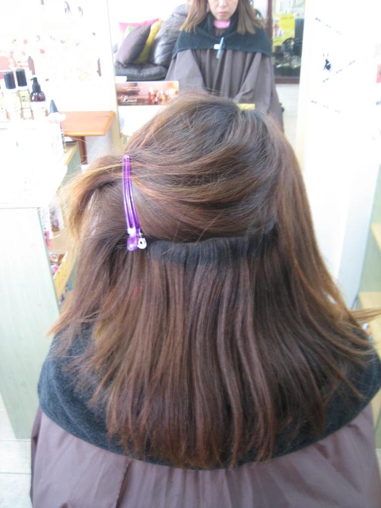 ヘアからーした髪とそうでない髪を同時に縮毛矯正する