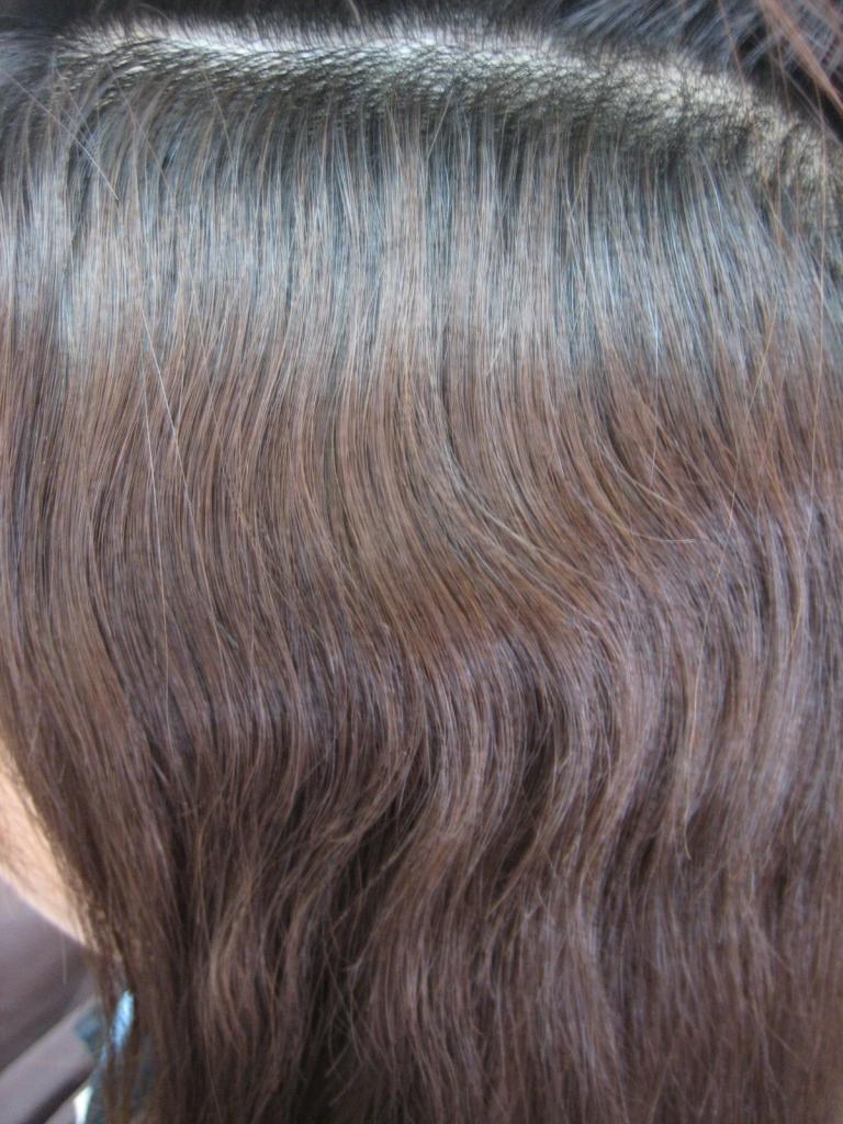 ダメージとクセ毛とヘアカラーと縮毛矯正