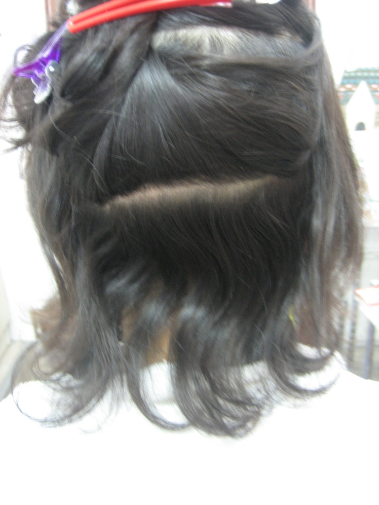 髪のまとまりは縮毛矯正でなおします