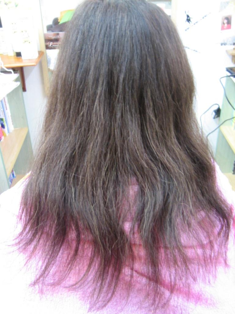 髪の量を減らす方法 セルフカット 切り方 美容室 美容師