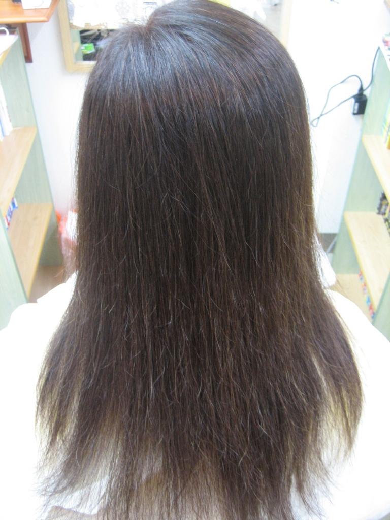 髪の量を減らす方法 美容師 ヘアカット