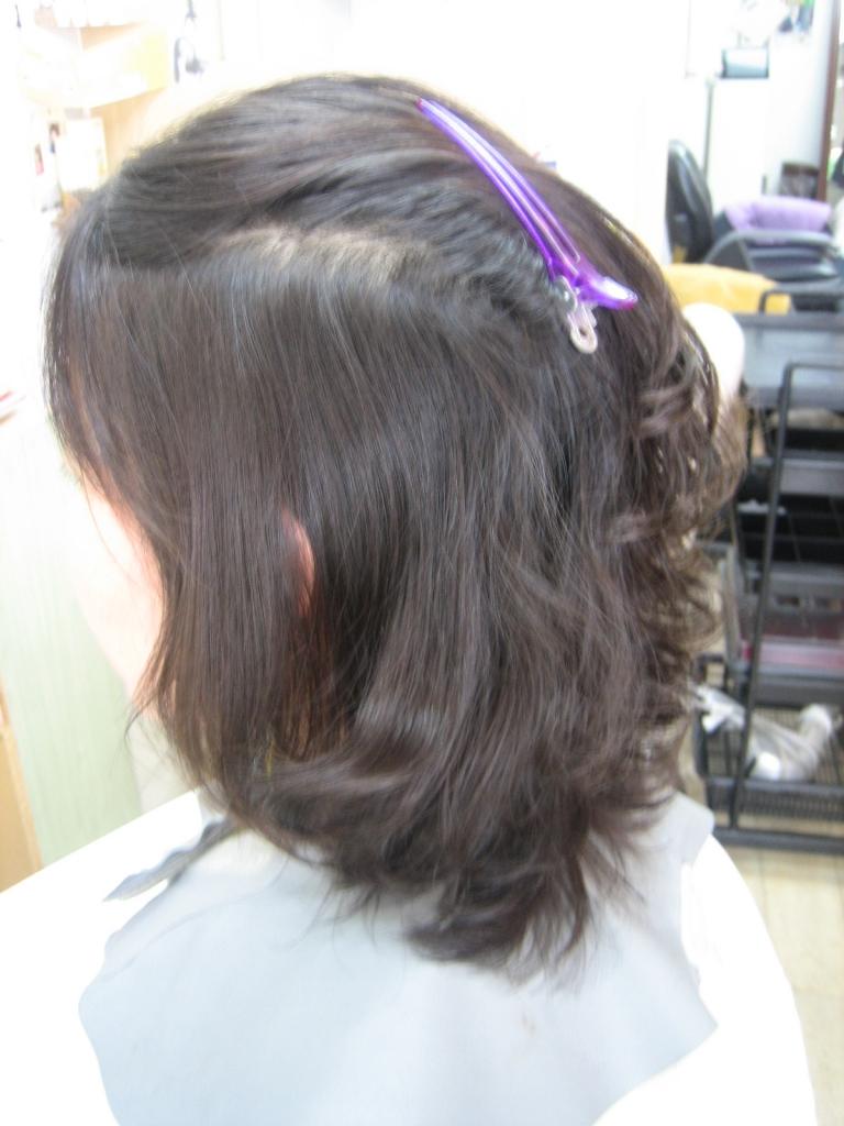 髪のボリュームを出すパーマ アラフォー アラフィフ ヘアスタイル