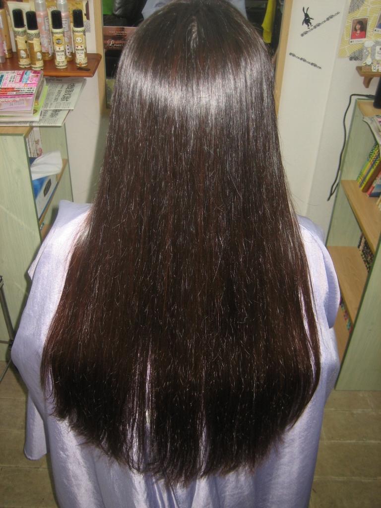 髪の量が多い女性が一番美しくボリュームを減らせるのが縮毛矯正 美容室