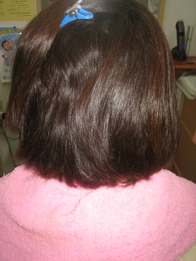 広がる髪 まとまらない髪 ブローが難しい髪 縮毛矯正
