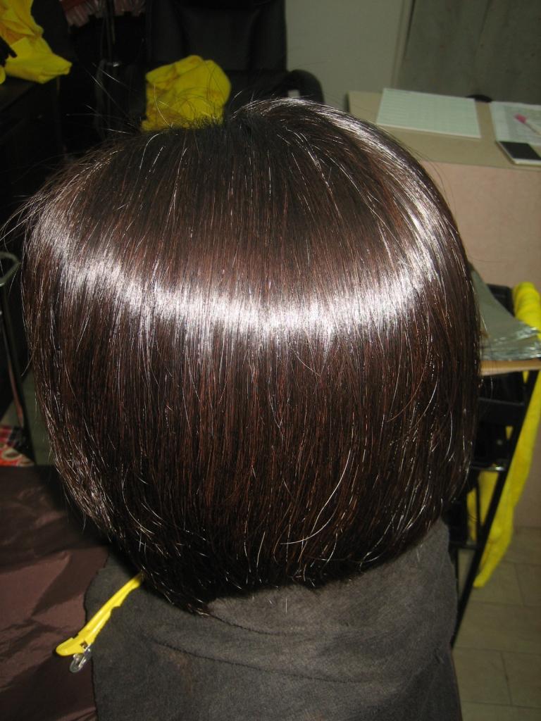奈良市 真っ直ぐになり過ぎない縮毛矯正 髪質改善西大寺 高の原 生駒 美容室 学園前 縮毛矯正専門店