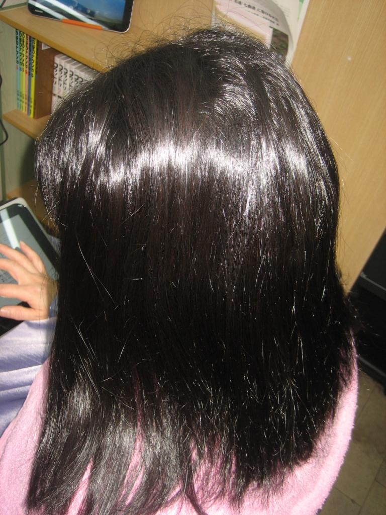 髪のボリュームを減らす 生駒 髪質改善 白庭台 美容室 北生駒 ストレートパーマ 生駒郡 ストパー