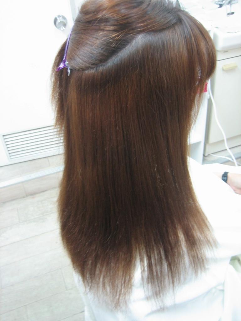 縮毛矯正で痛む髪 奈良県 美容室 学園前