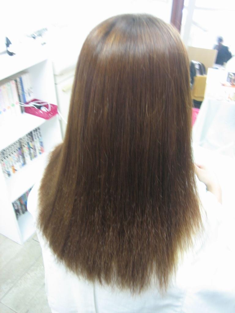 ヘアカラーで髪が痛む 髪質改善専門店 生駒市 クーポン