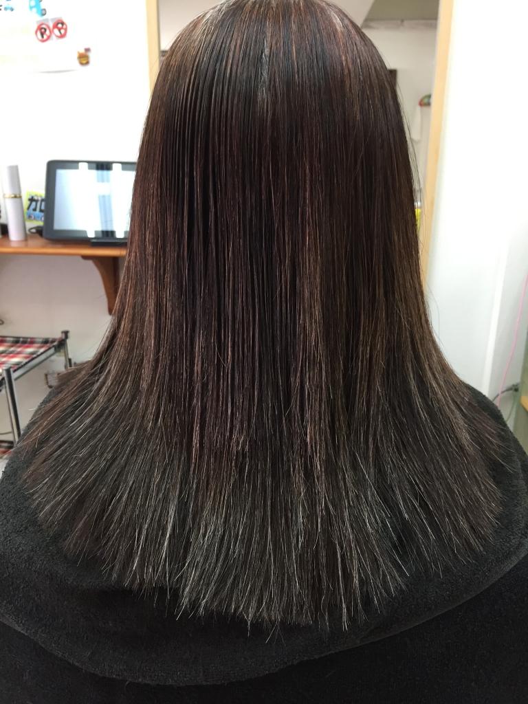 50代ヘアスタイル 白髪染め ヘアカラーと縮毛矯正 ストレートパーマ