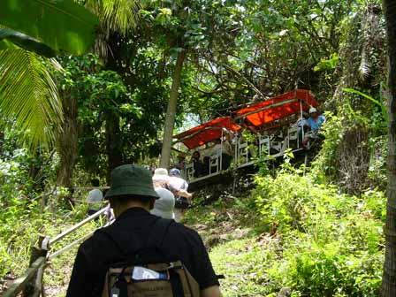 2007.05.15 グアム:ジャングルをトロッコが