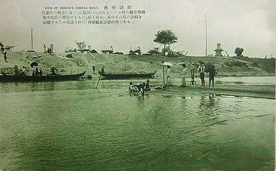 写真6.施工時の「西郷堤防」(古川 勝三氏撮影)