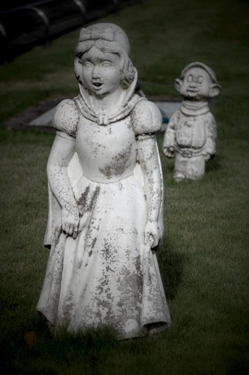 目つきが危ない白雪姫