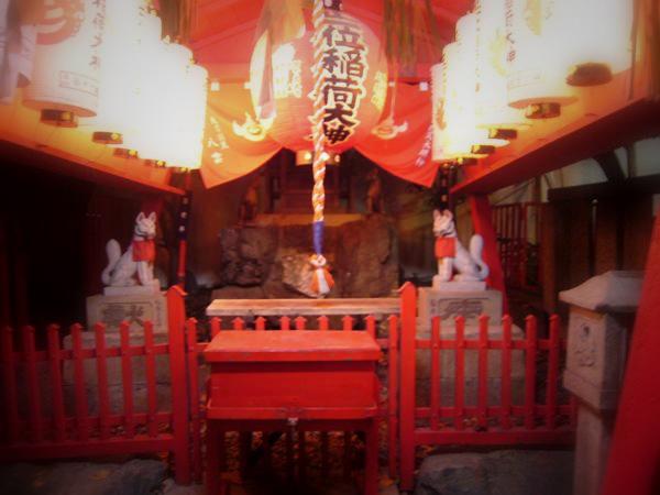 夜の神社が好きです