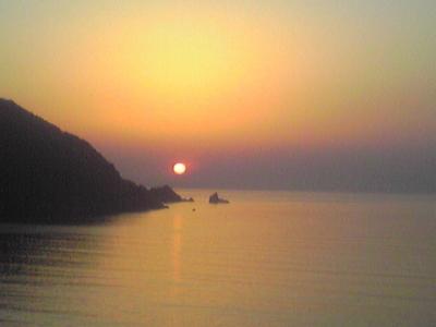 ♪海岸沿い道路からの夕陽♪
