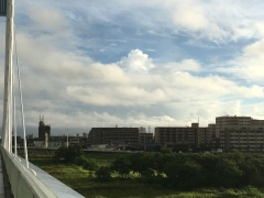 台風一過で青空が覗く