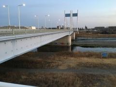 朝の是政橋