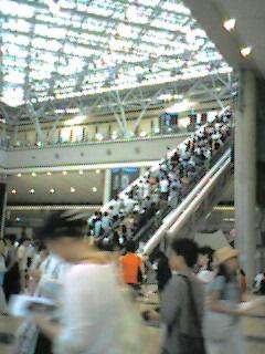 西館のエスカレーター