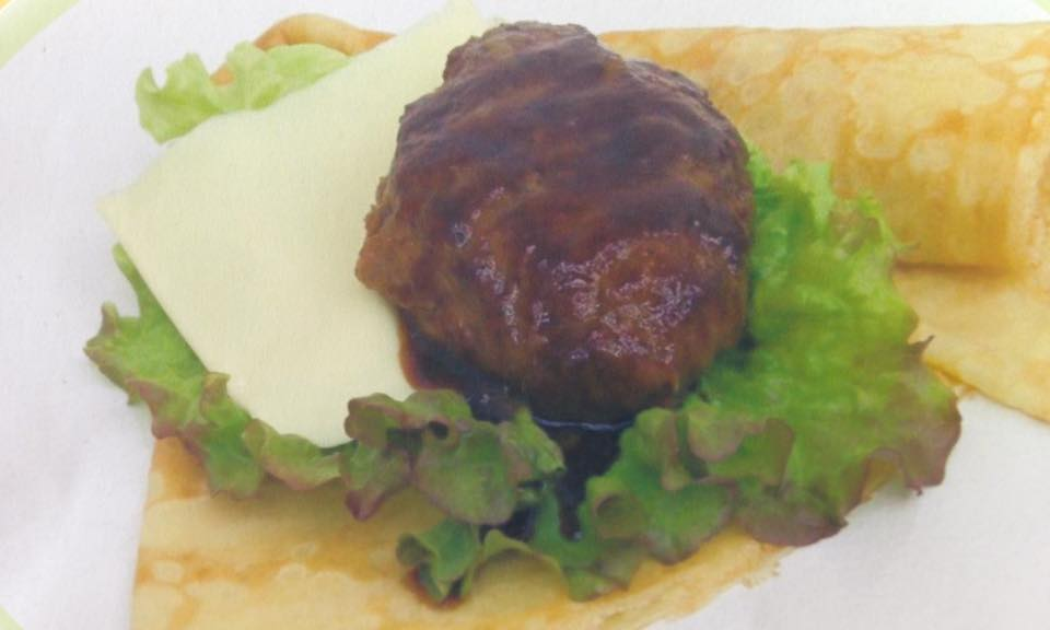 チーズハンバーグサラダ