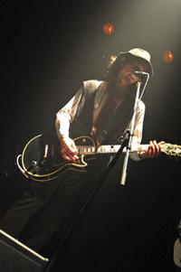 Takashi Yoshikawa