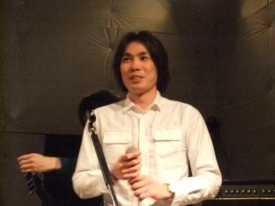 ライブMCのマッハのベーシスト、Mrナカムラ!!