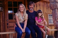 Kris Kristofferson with daughters, Tracey and Casey