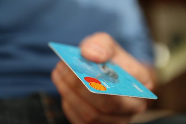 クレジットカードで支払う-債務整理日記