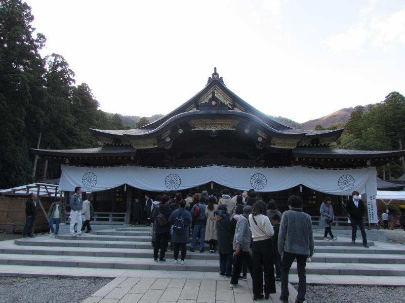 弥彦神社(彌彦神社)の御本殿