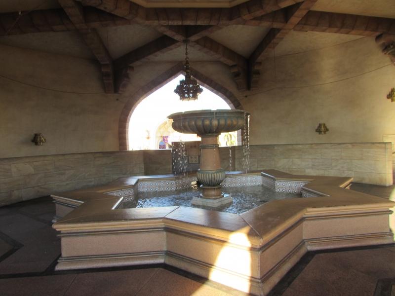 五芒星の美しい噴水