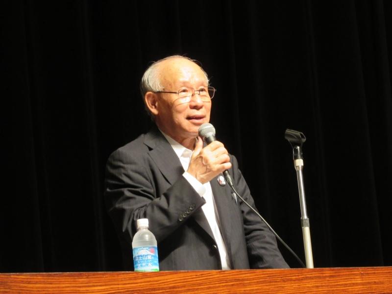 川崎民主市政をつくる会で講演する都知事候補だった宇都宮健児さん