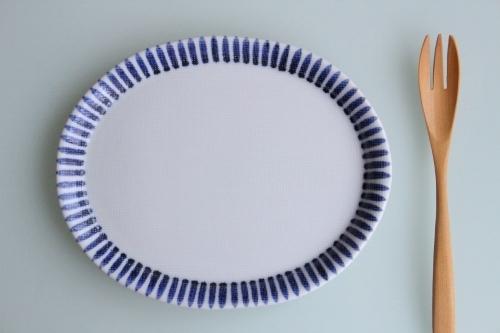 砥部焼・梅山窯:七寸布目楕円皿〈十草〉