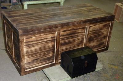 大きな大きな木箱