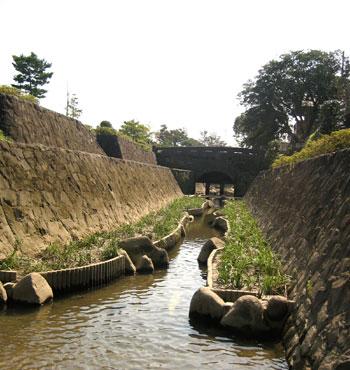 秋丸眼鏡橋