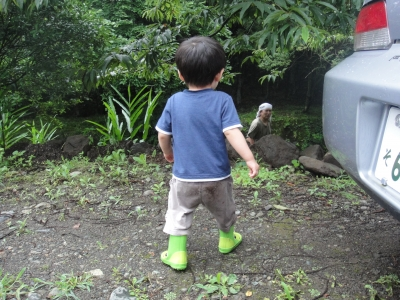 おじいちゃんと庭仕事