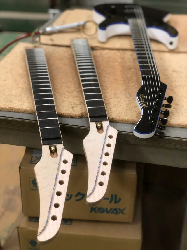新形状ボディ&ヘッドでNEWギター営製作中!