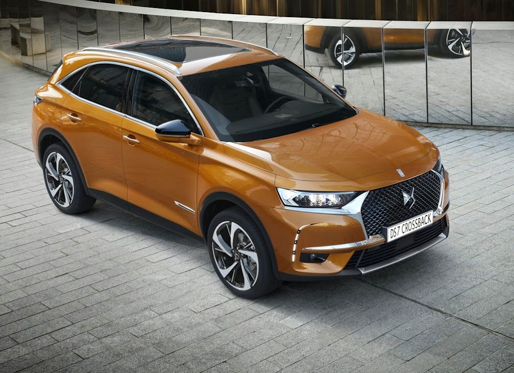 ds7-crossback-makes-debut-23.jpg