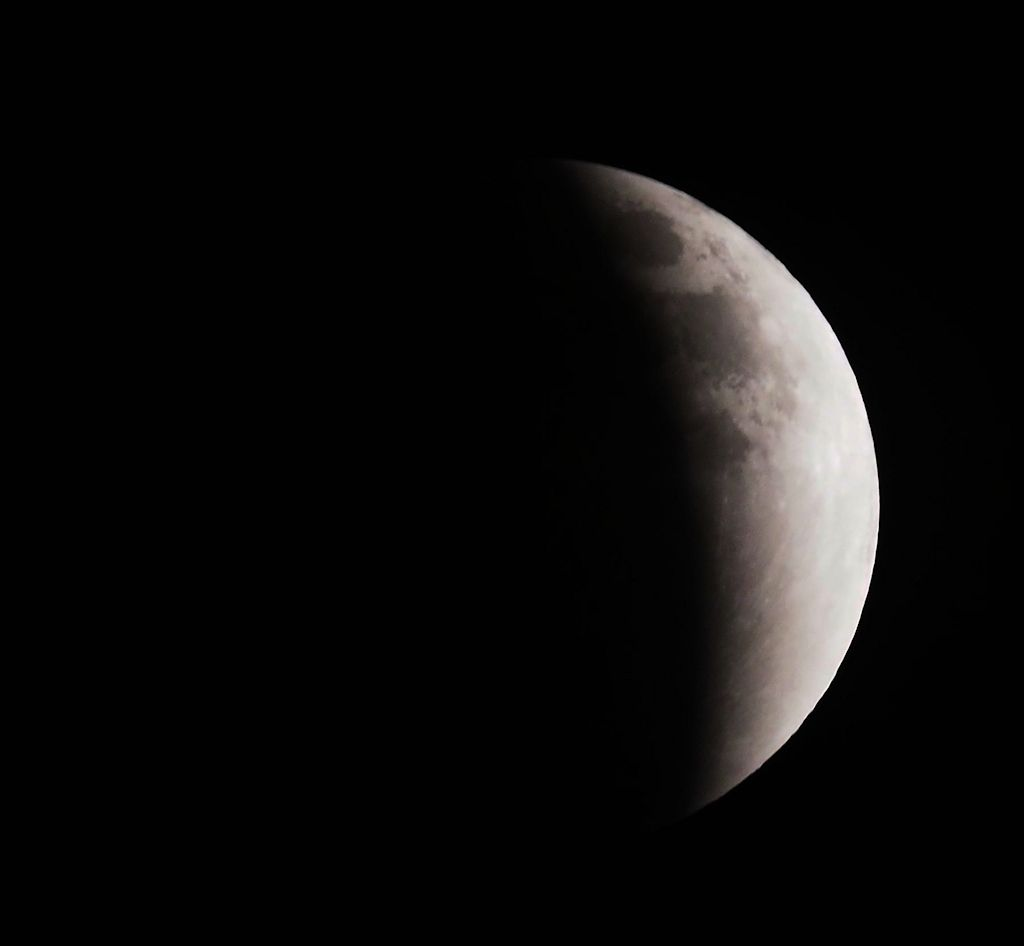 moon06S.jpg