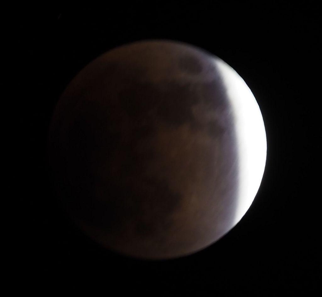 moon08S.jpg