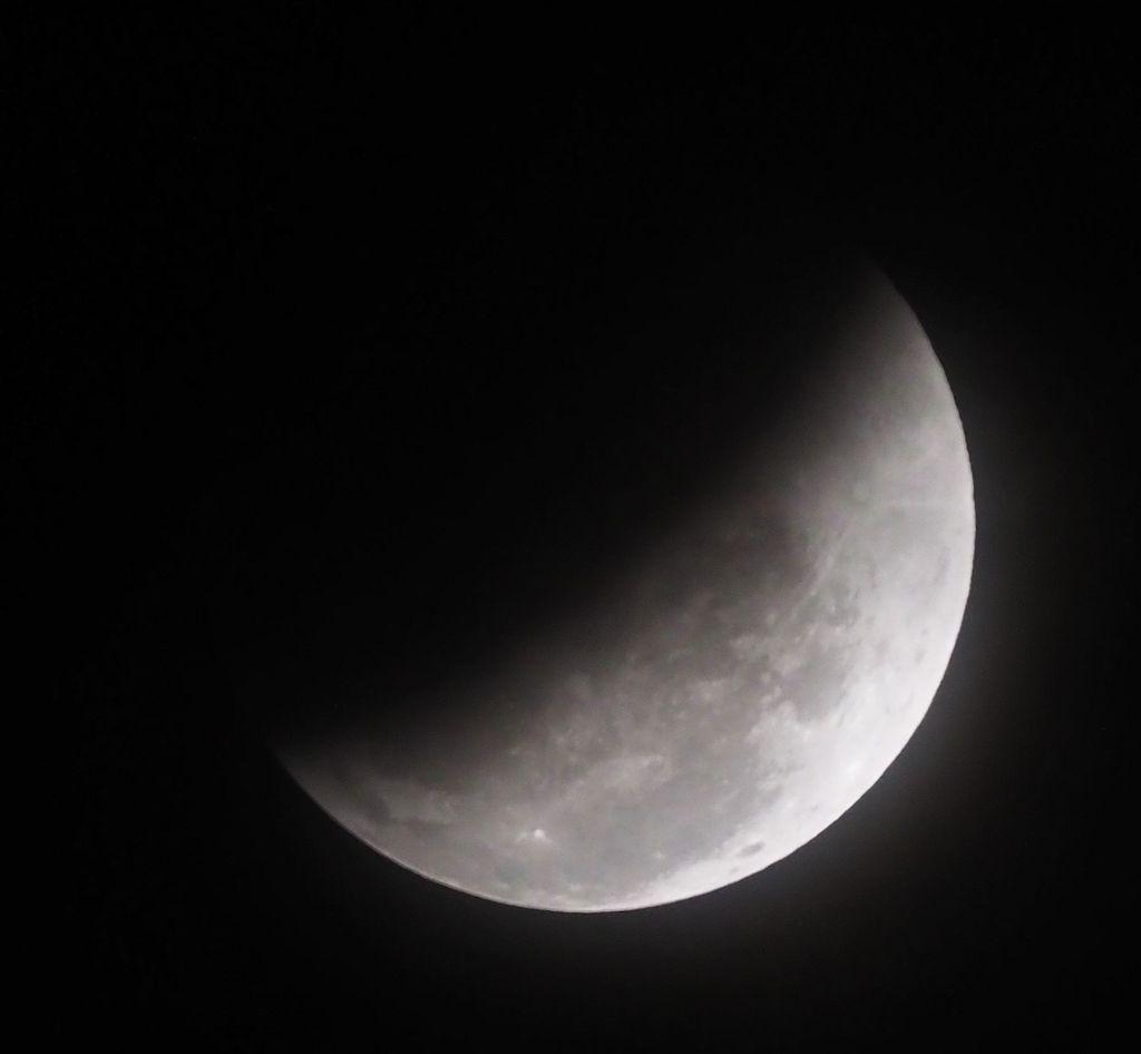 moon17S.jpg