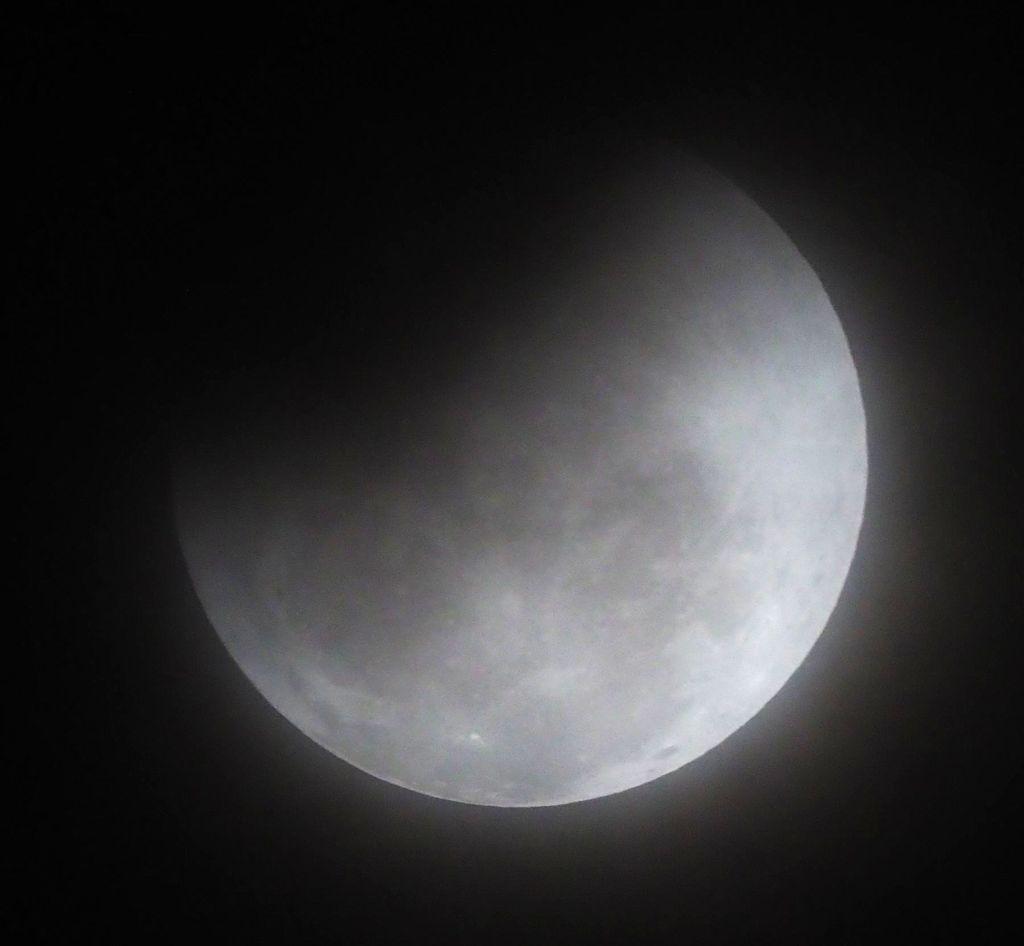 moon18S.jpg