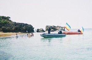 平島へ 新ゴムボート「ピース号」と「サーニー号」