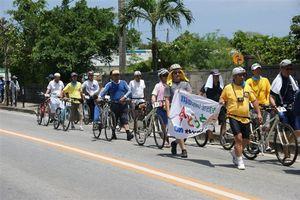 6.23沖縄反戦国際集会のデモにも参加