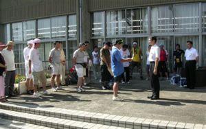 東松山市役所庁舎前要請行動