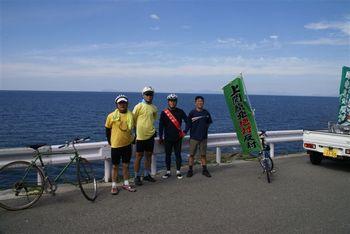 海の向こうには祝島(一番左)