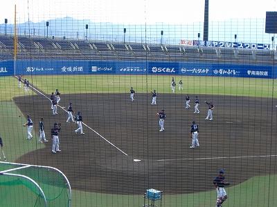 ヤクルトスワローズ選手たちの練習