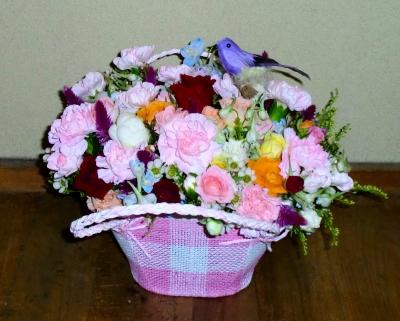 お見舞いの生花アレンジメントをお送りいたしました!