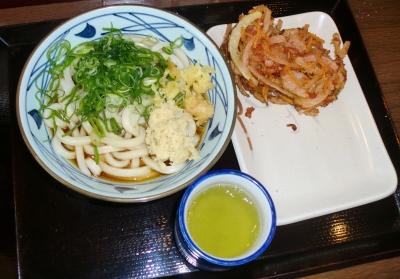 こちらの丸亀製麺の「かけうどん」は美味しかったです