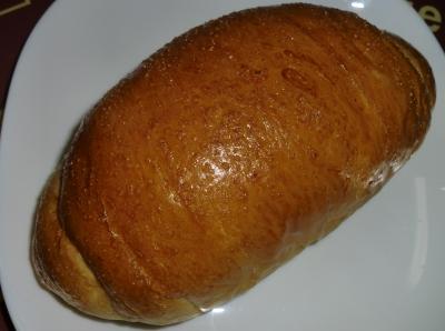 今日のおやつは「塩パン」でした