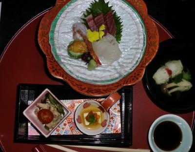 観光地を巡り最後の夜の晩御飯も豪華でした