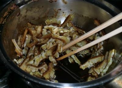 白ゴーヤを使って佃煮を作ってもらいました
